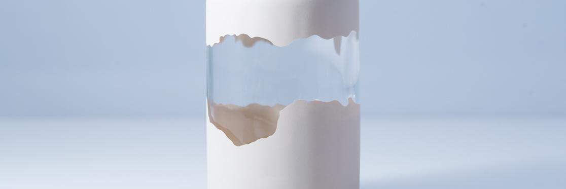 Vernissage sur bouteille en verre